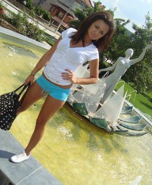 Kesha from Kentucky is looking for adult webcam chat