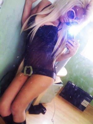 Dagmar from New York is looking for adult webcam chat